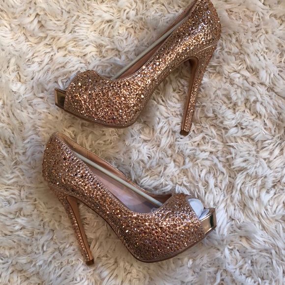 f4fe25bf92c 👠✨Stunning Lauren Lorraine nude rhinestone heels